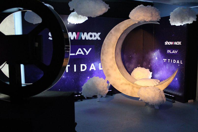 Gifbudka Light Ring - event Play i ShowMax